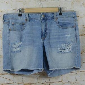 American Eagle Boy Midi Shorts Distressed